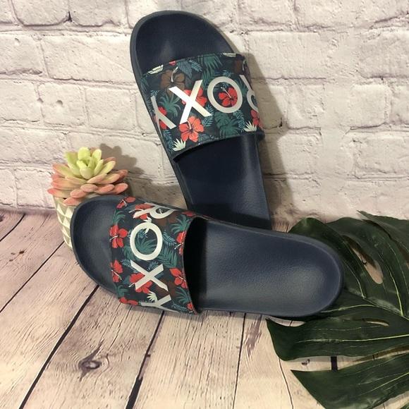 589b7c15a77e Roxy Slippy Ro Women s Slide Sandal. M 5c169178c61777288b6ad190